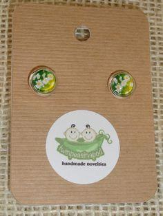 Daisy Earrings  glass dome earring studs  silver by twinpeasinapod, $9.00
