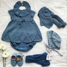 17 mai antrekket i fjor Baby Cardigan Knitting Pattern, Baby Blanket Crochet, Baby Knitting Patterns, Baby Patterns, Crochet Baby, Knitted Baby Clothes, Knitted Romper, Crochet Clothes, Knitting For Kids