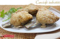 I carciofi imbottiti o carciofi ripieni sono un secondo piatto davvero delizioso per chi ama i carciofi. Questi carciofi imbottiti vengono cotti in padella.