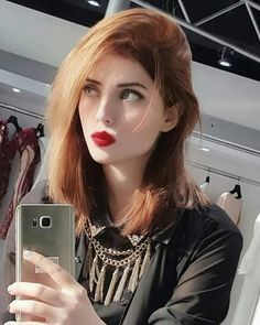 Look Your Best With This Fashion Advice – Top Clothes Boutique Cute Girl Photo, Girl Photo Poses, Girl Photography Poses, Stylish Girls Photos, Stylish Girl Pic, Girl Pictures, Girl Photos, Beautiful Girl Makeup, Beautiful Eyes