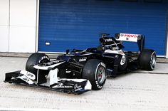 Williams unveils the FW34, its 2012 Formula 1 car