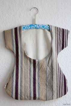 Free sewing pattern for clothes pin bag German Klammerbeutel - done