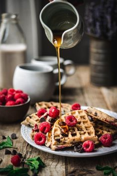 These raspberry chocolate chip waffles (gluten free and vegan) are the best way to do brunch at home! Vegan Brunch Recipes, Waffle Recipes, Dessert Recipes, Desserts, Granola, Western Food, Food Photography, Breakfast Photography, Waffles
