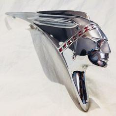 Indian Motorcycle Logo Vintage Hood Ornaments 54 Ideas For 2019 Jet Packs, Motorcycle Logo, Motorcycle Types, Car Bonnet, Pontiac Chieftain, Vintage Indian Motorcycles, Custom Motorcycles, Car Hood Ornaments, Sculpture Metal