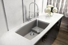 How To Choose Prodigious Contemporary Kitchen Sink, Forget boring white basins or stainless steel with no style; many of today's kitchen sink designs are surprisingly stunning. Best Kitchen Sinks, White Kitchen Sink, Kitchen Sink Design, Kitchen Sink Faucets, Modern Kitchen Design, New Kitchen, Cool Kitchens, Sink Taps, Sink Drain