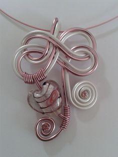 Image - Pendentif coeur de verre rose et blanc nacré - Les créations de Jenny - Skyrock.com