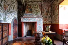 The Inside of Eltz Castle   German Forts & Castles: Eltz Castle