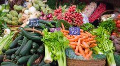 Marin Farmer's Market seasonal awesomeness!  http://www.blogbythebay.com/wp-content/uploads/2009/07/marin-farmers-markets.jpg