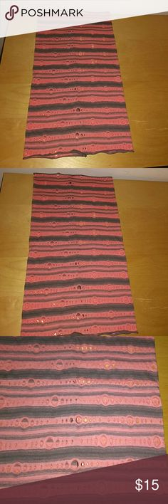 Lightweight Tube Neckwarmer or Headwear Excellent condition, this is an extra long, lightweight, soft Head and Neck warmer keeps you warm in a number of ways! It can be worn as a headband,face mask or neck gaiter.Designed to fit perfectly around your neck when worn below the chin, also sits comfortably on your nose and cheeks when pulled up for additional face protection from wind, weather, cold and sun. Perfect for cold-weather activities including skiing, snowshoeing, biking, hiking…
