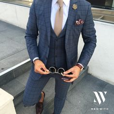 Really nice photo of our dear friend Gentleman Mode, Gentleman Style, Suit Up, Suit And Tie, Mens Fashion Suits, Mens Suits, Men's Fashion, Marriage Suits, Herren Outfit