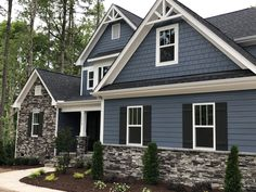 Granite peak exterior paint Blue grey exterior paint sherwin Williams granite peak The Effective Pictures We Offer You About home paintings red A quality picture can tell you Exterior Paint Sherwin Williams, Exterior Gray Paint, Exterior Paint Colors For House, Dream House Exterior, Paint Colors For Home, Exterior Design, Vinyl Siding Colors, Grey Exterior Houses, Grey House Exteriors