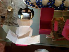 """Erste Geschenke Kartons für Weihnachten vorbereiten -""""Kaffe -capsa Kartoon als Vorlage"""