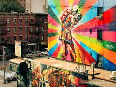 """""""Todos ficamos atentos aos artistas porque sabemos que a arte nos leva a outro patamar, a um nível acima, melhor. O artista funciona como um mensageiro, uma ponte, uma lanterna."""""""
