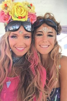 Warning: You'll want to reach for the glitter pot after you've seen these Burning Man beauty looks. Find out more on GLAMOUR.COM UK