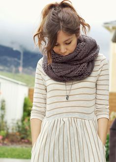 simple striped dress {with pockets}, soft chunky scarf {love the color}, simplistic necklace, hair pulled up...