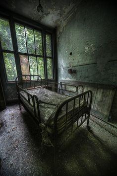放棄 Abandoned tuberculosis Sanatorium