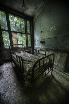 Abandoned Tuberculosis Sanatorium - This place was straight out of a horror film,