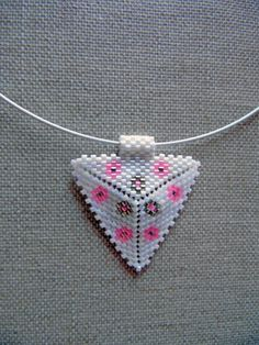 Native American navajo huichol white pink necklace by McommeMaryna Pink Necklace, Beaded Necklace, Navajo, Brick Stitch, Boutique, Etsy, Boho Chic, Native American, Triangle