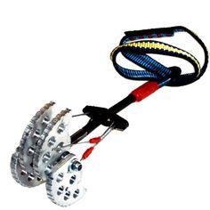 gear4rocks 1axle Cam 5 Cam | strong single cable design | at www.weighmyrack.com/ #rock #climbing #gear