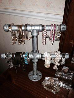 Galvanized pipe bracelet holder