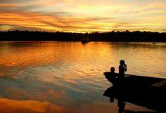 O Brasil possui diversas paisagens incríveis espalhadas por todo o país. Quando combinadas com um fim de tarde não é difícil ter um pôr do sol memorável, não importa onde você esteja, esse horário sempre reserva um ótimo momento para curtir o entardecer.