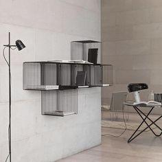 Panton Wire – industrial, light, modern. #montanafurniture #danishdesign #danskdesign #panton #panronwire #wohnideen #wohninspiration #regale #inredning #køkken #køkkeninspiration #kuchendeko #designdanois #salleamanger