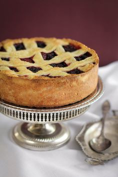 The onset of summer weather makes me crave a berry pie, but this deep dish berry pie tart takes it to a whole new level.