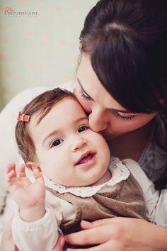 Cristina, Ovidiu, Elias si Eleonora Children And Family, Family Portraits, Face, Photography, Mom, Family Posing, Photograph, Fotografie, The Face