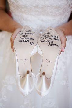 #tipvandeweek Lopen op geluk. Wat schrijf jij onder jouw trouwschoenen?