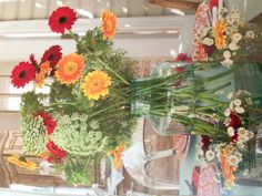 Summertime flower centerpiece- The Cottage Journal