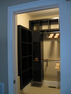 The Size Of This Closet Is Just Amazing. The IKEA Hack Is Just Icing On The  Cupcake! IKEA Hackers: Expedit Closet   Small Walk In