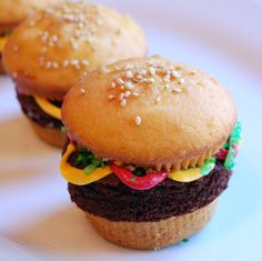 Hamburger Brownie Cupcakes Green Coconut Frosting Cupcakepedia