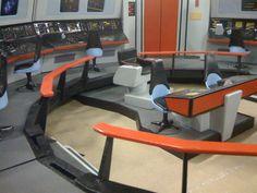 Maker David Weiberg built this amazing Star Trek: TOS Enterprise bridge playset for his young son. Star Trek Enterprise, Star Trek Voyager, Star Trek Tos, Star Trek Models, Sci Fi Models, Star Trek Bridge, Go Boldly, Scrap Material, Star Trek Ships
