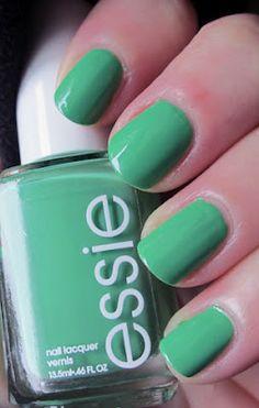 Essie Mojito Madness- Can I do green polish? I think I can!