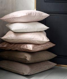 Velvet cushion cover | Product Detail | H&M