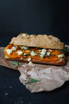 Roasted Pumpkin, Stilton and Rosemary Bun ° eat in my kitchen Vegan Dinner Recipes, Vegan Dinners, Vegetarian Recipes, Cooking Recipes, Delicious Sandwiches, Vegan Sandwiches, Veggie Sandwich, Sandwich Recipes, Butternut Squash Oven