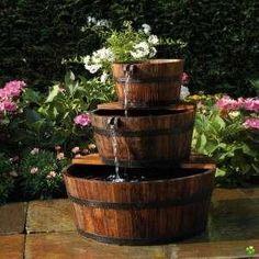 jeu d'eau tonneau de bois edinburgh Jardin