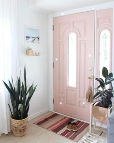 Pink Door Interior Home Decor Ideas For 2019 Home Design, Design Design, Modern Design, Decoration Chic, Mid Century Furniture, Home Interior, Interior Plants, Home Decor Inspiration, My Dream Home