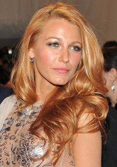 Blake Lively's strawberry blonde hair- I've always wanted this hair color. I th… - All For Hair Color Trending Hair Colour For Green Eyes, Hair Color And Cut, Long Length Hair, Strawberry Blonde Hair, Strawberry Color, Def Not, Blonde Highlights, Dimensionale Blonde, Warm Blonde