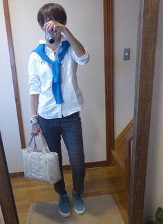 9月18日 白シャツにUNIQLOカーデとGAPパンツでトラッドスタイルと白シャツ特集