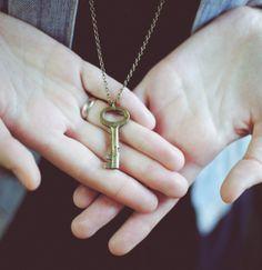 Key Pendant Necklace Jewelry - Antique Skeleton Key Necklace - Vintage bronze key pendant - boho bohemian