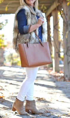 A brown cognac tote is such a great closet piece and can be worn year round. This versatile tote can be worn more casually for the day or dressed up for night.