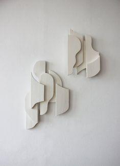 nature inspired modern living Abstract Sculpture, Sculpture Art, Abstract Art, Art Object, Wall Sculptures, Installation Art, Ceramic Art, Diy Art, Design Art