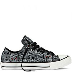 Converse Chuck Taylor - Skulls - http://www.flair.be/fr/mode/273020/mode-top-15-des-all-star-avec-motifs