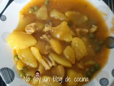 Patatas estofadas con sepia Spanish Dishes, Spanish Food, Healthy Recipes, Healthy Food, Food And Drink, Soup, Sweets, Lunch, Cooking