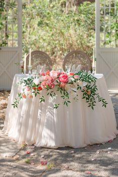 Vintage Table Decorations, Head Table Decor, Coral Wedding Decorations, Pew Flowers, Table Flowers, Fresh Flowers, Sweetheart Table Decor, Large Flower Arrangements, Foam Roses
