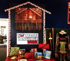 By Donna Le Marquand This impressive display is from Donna Le Marquand (Auckland, NZ). Library Displays, Classroom Displays, Bulletin Board Display, Classroom Environment, Language, Library Ideas, Learning, Kiwi, Preschool