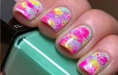 Diseños de uñas con esponja impregnada, diseño de uñas con esponja arcoiris.  Follow! #uñasdecoradas #nailart #uñasbonitas