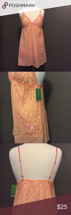 NWT Lilly Pulitzer Swept Away Nightie XS Sleep in comfort and style in this lightweight nightgown. Has cute front pockets and adjustable lingerie straps. Brand new with tags. Lilly Pulitzer Intimates & Sleepwear Pajamas