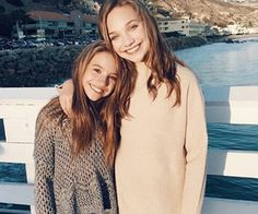 Maddie And Mackenzie Ziegler Are Excited For Thanksgiving Dance Moms Dancers, Dance Moms Girls, Maddie And Mackenzie, Mackenzie Ziegler, Maddie Ziegler Instagram, Style Hip Hop, Maddie Zeigler, Sisters Goals, Siblings Goals